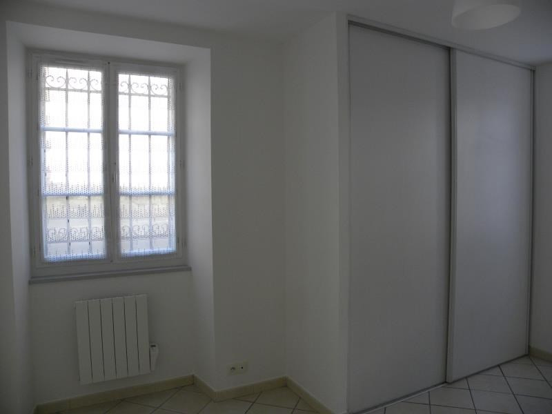Rental apartment St jean pied de port 496€ CC - Picture 5