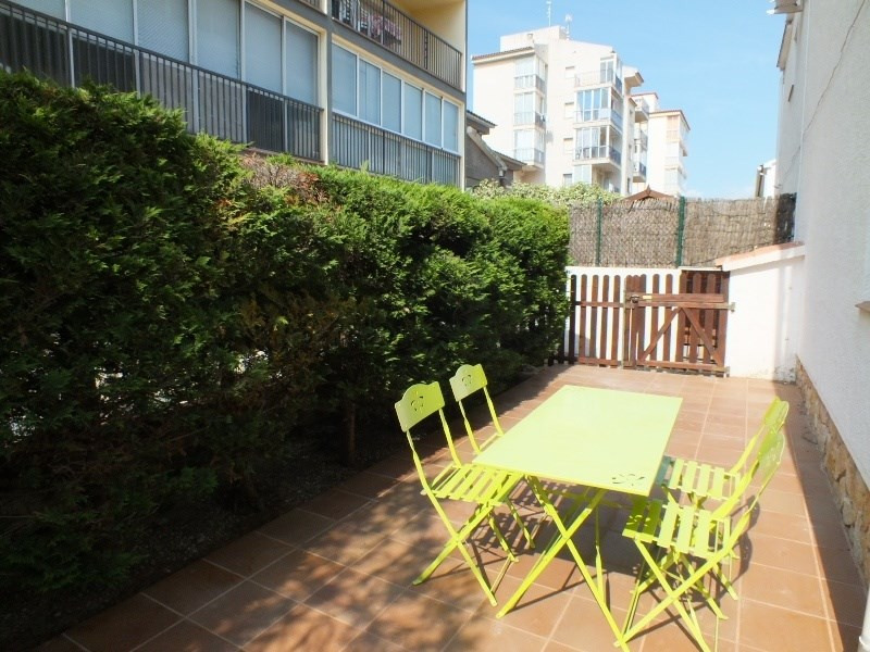 Vacation rental house / villa Roses 472€ - Picture 3