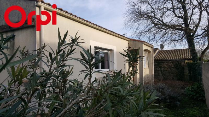 Sale house / villa Sainte soulle 317500€ - Picture 1