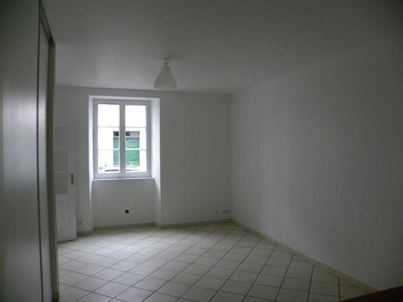 Rental apartment St jean pied de port 496€ CC - Picture 1