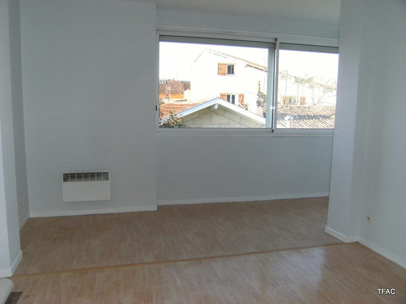 Location appartement Bordeaux 605€ CC - Photo 3