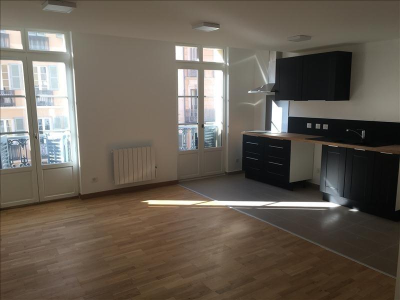 Location appartement Toulon 587€ CC - Photo 1