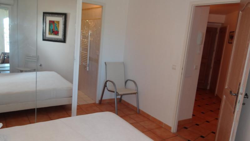Vacation rental apartment Cavalaire sur mer 1300€ - Picture 10