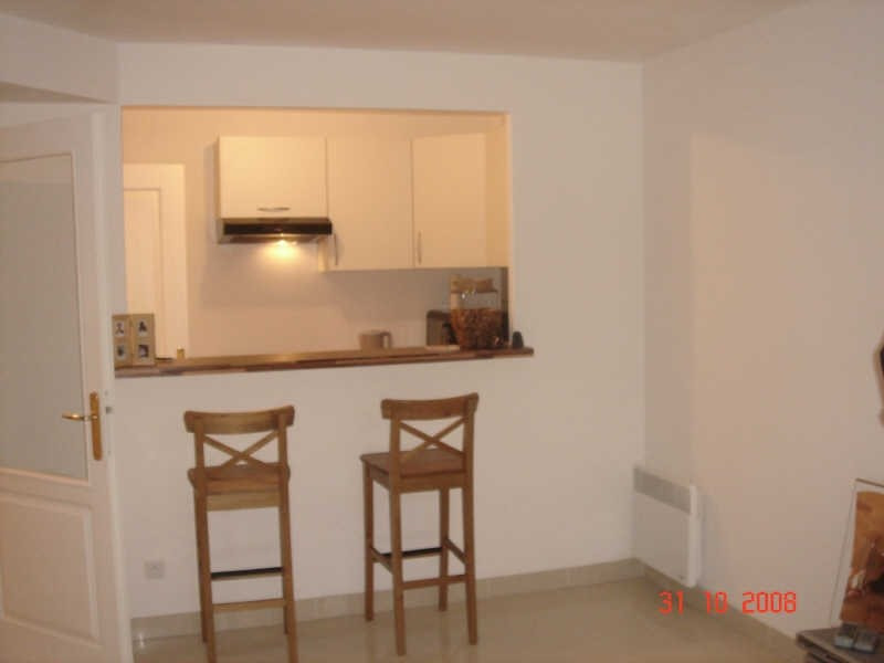 Rental apartment Lamorlaye 830€ CC - Picture 2