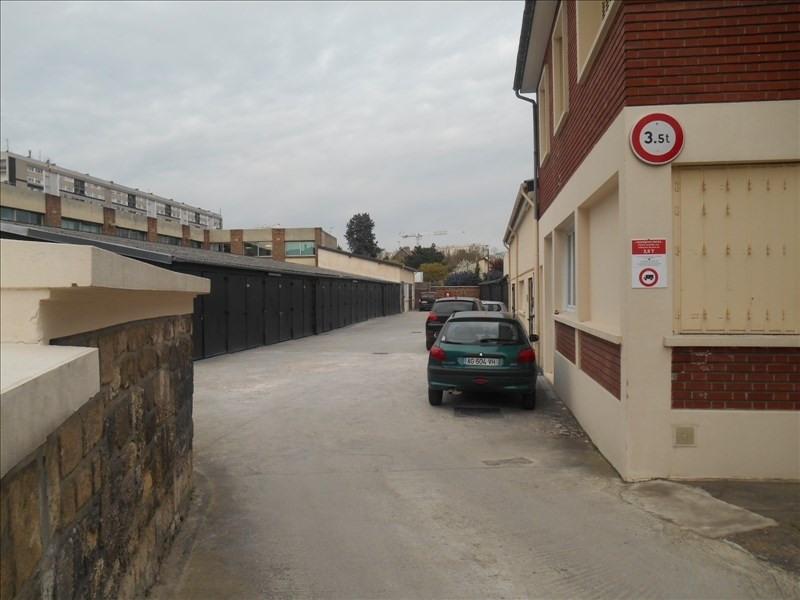 Rental parking spaces Bagneux 130€ CC - Picture 1
