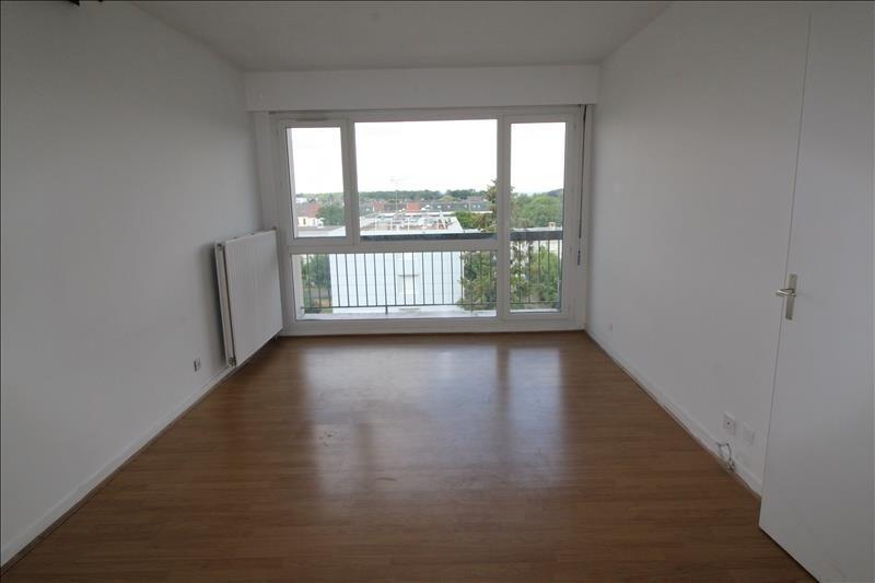 Rental apartment Maurepas 786€ CC - Picture 1