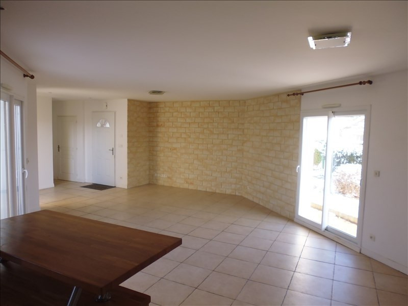 Location maison / villa Nouaille maupertuis 800€ CC - Photo 2