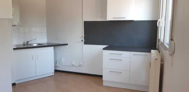 Location appartement Saint andre les vergers 364€ CC - Photo 2
