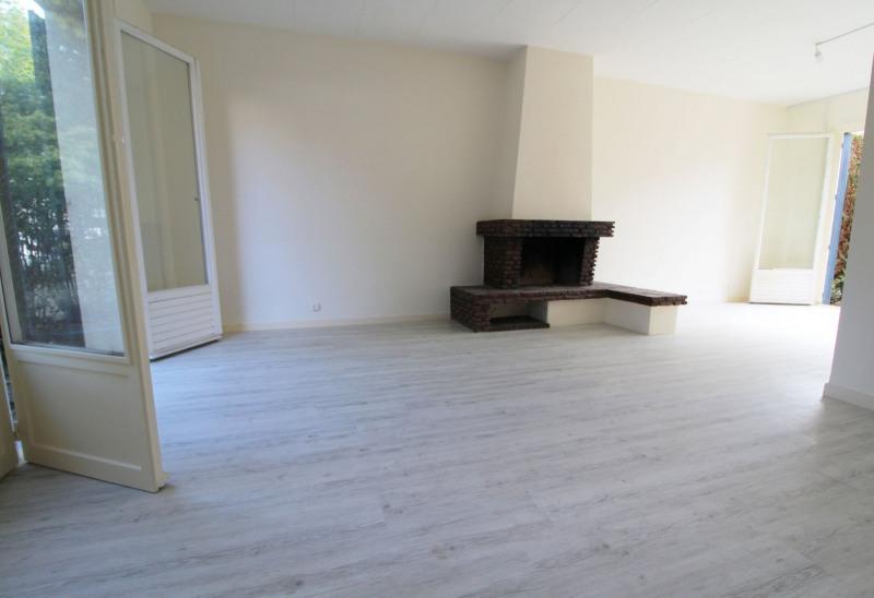 Sale house / villa Maurepas 331000€ - Picture 3
