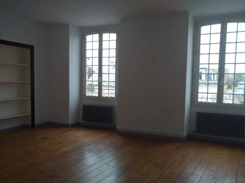Rental apartment Oloron sainte marie 904€ CC - Picture 3