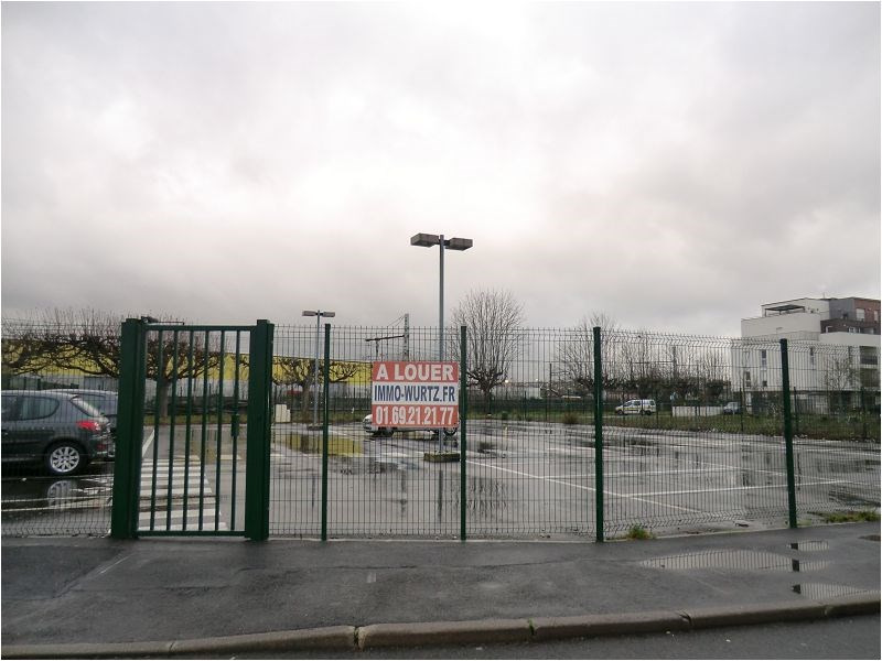Rental parking spaces Viry chatillon 54€ CC - Picture 1