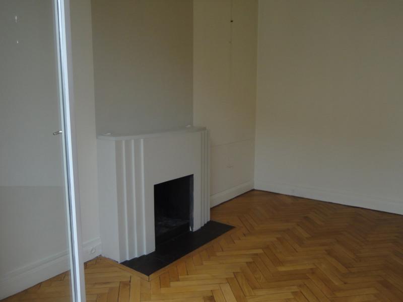 Rental apartment Paris 16ème 3380€ CC - Picture 22