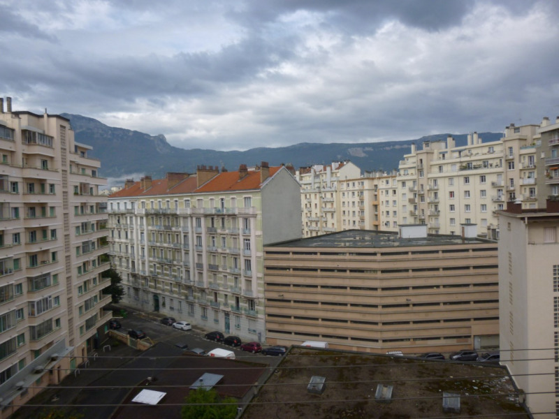 Location parking Grenoble 90€ CC - Photo 1