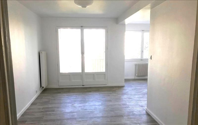 Location appartement Annecy 970€ CC - Photo 1