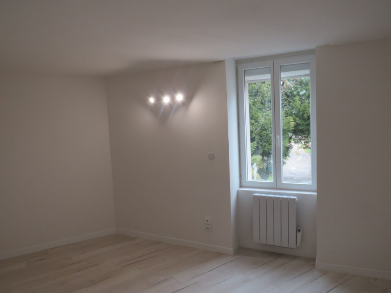 Location maison / villa Courbeveille 410€ CC - Photo 9