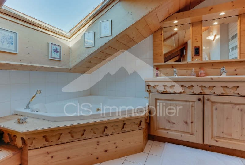 Deluxe sale apartment Meribel 750000€ - Picture 6