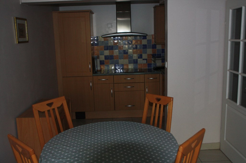 Rental apartment St quentin 680€ CC - Picture 3