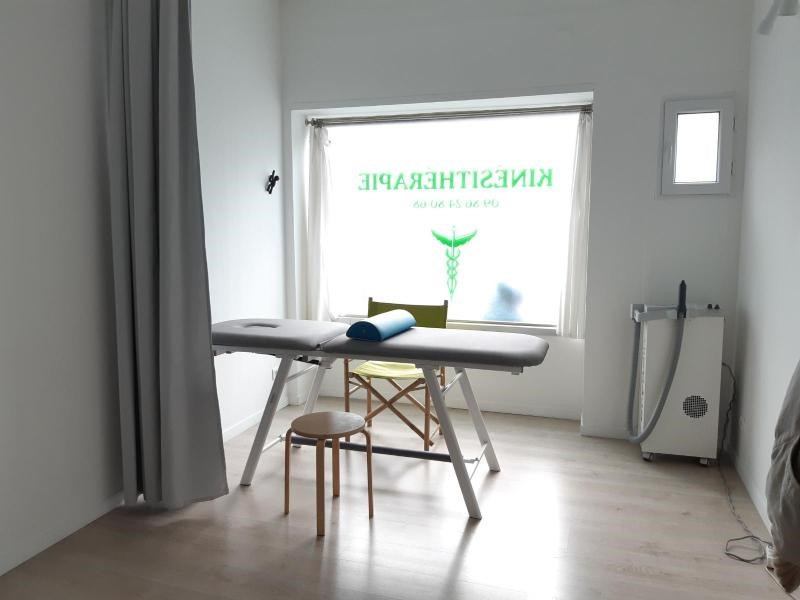 Location boutique Marseille 8ème 1 088€ CC - Photo 1