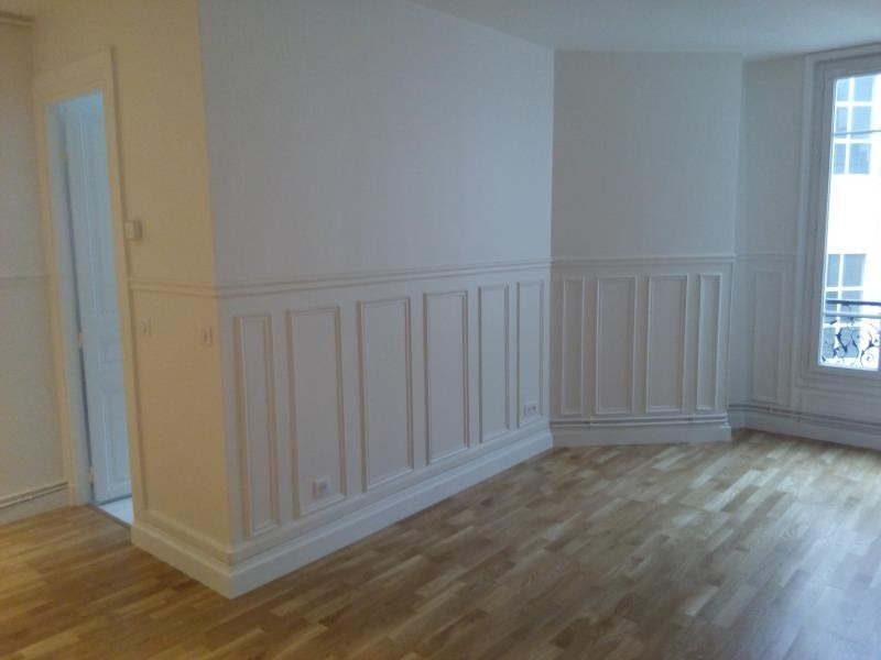 Location appartement Paris 17ème 1 374€ CC - Photo 2