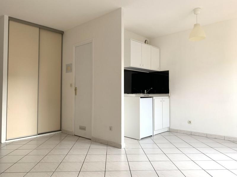 Rental apartment Sainte-geneviève-des-bois 520€ CC - Picture 1