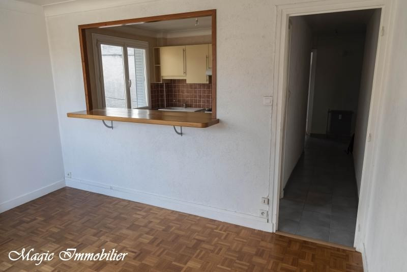 Location appartement Oyonnax 465€ CC - Photo 2