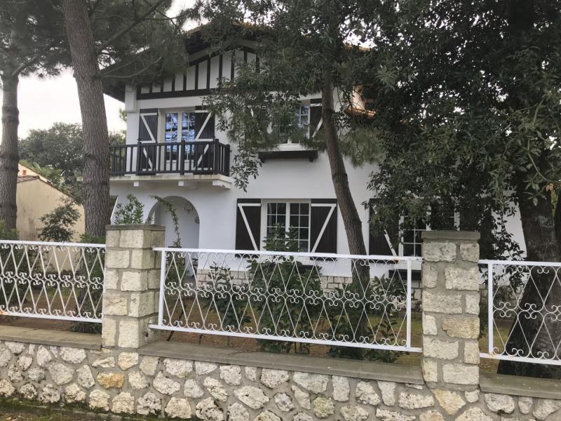 Vacation rental house / villa Vaux-sur-mer 1428€ - Picture 1