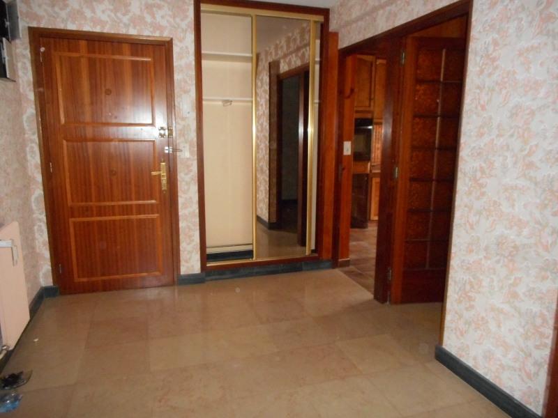Sale apartment Lons-le-saunier 115000€ - Picture 3