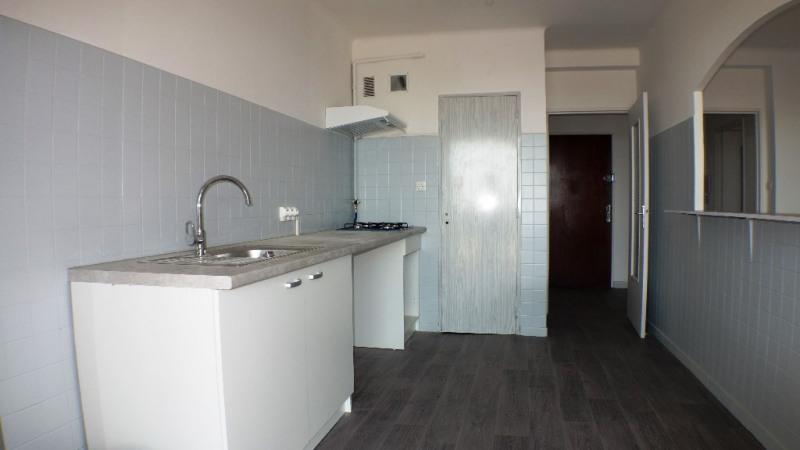Locação apartamento Toulon 950€ CC - Fotografia 3