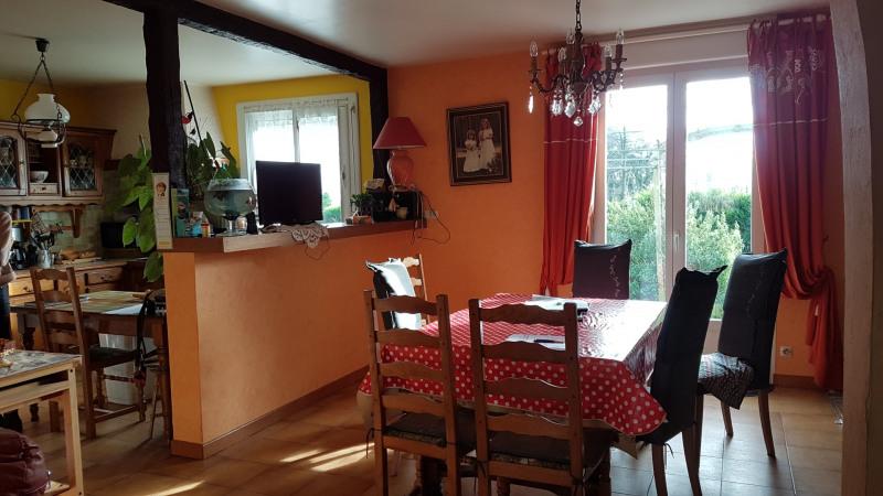 Sale house / villa Elliant 158700€ - Picture 6