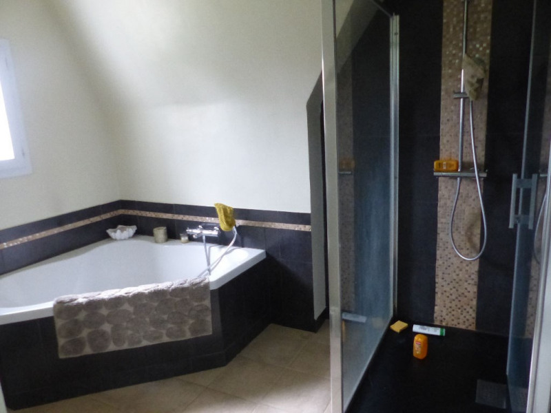 Sale house / villa Saint evarzec 273000€ - Picture 5