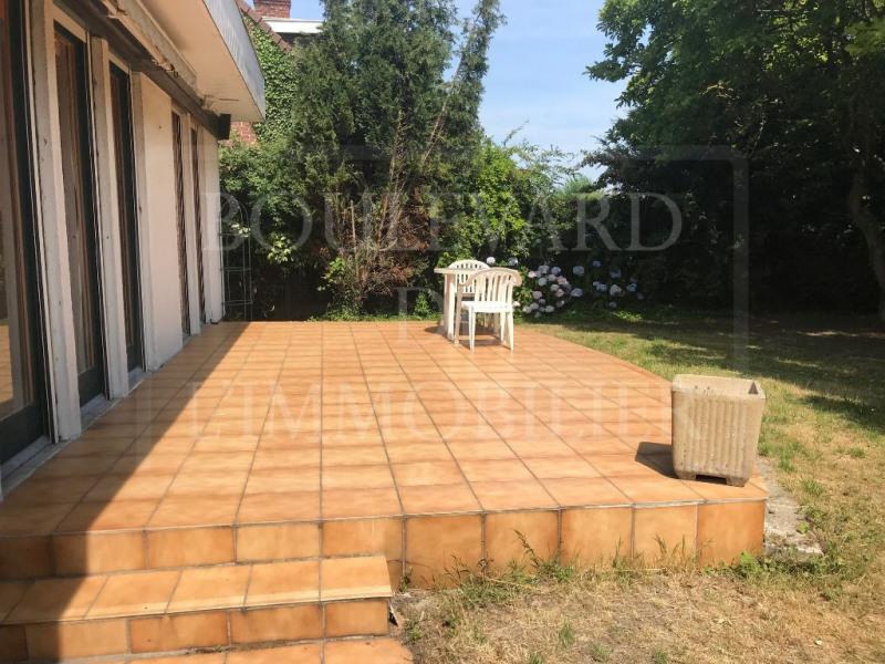 Sale house / villa Neuville en ferrain 230000€ - Picture 2