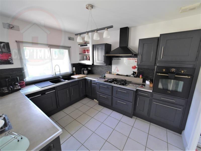 Sale house / villa St jean d'eyraud 394000€ - Picture 4