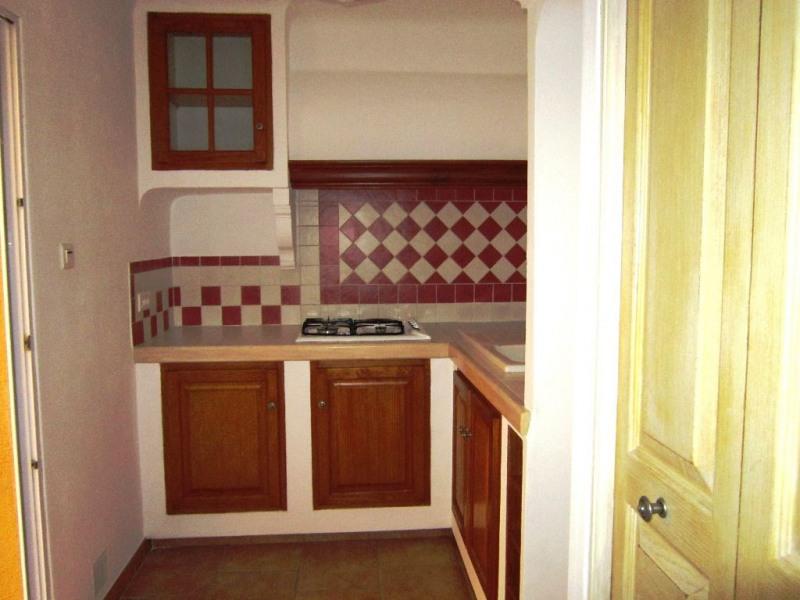 Verhuren  appartement Lambesc 593€ CC - Foto 2