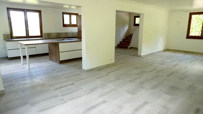 Vente de prestige maison / villa Monnetier mornex 598000€ - Photo 2