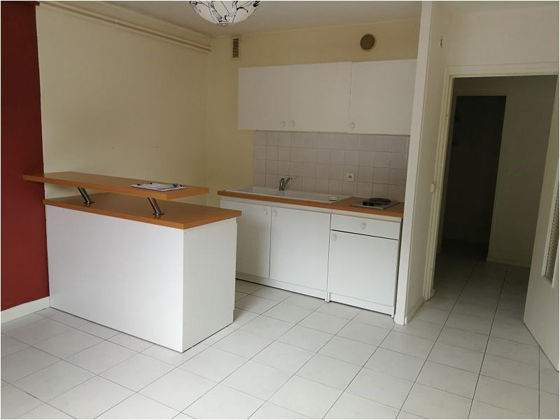 Rental apartment Bruyeres le chatel 494€ CC - Picture 2