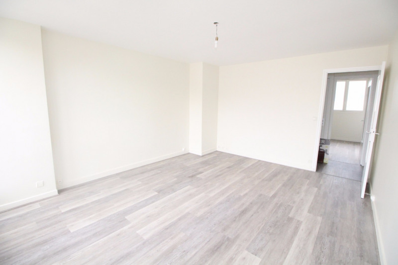 Location appartement Fontaine 660€ CC - Photo 12