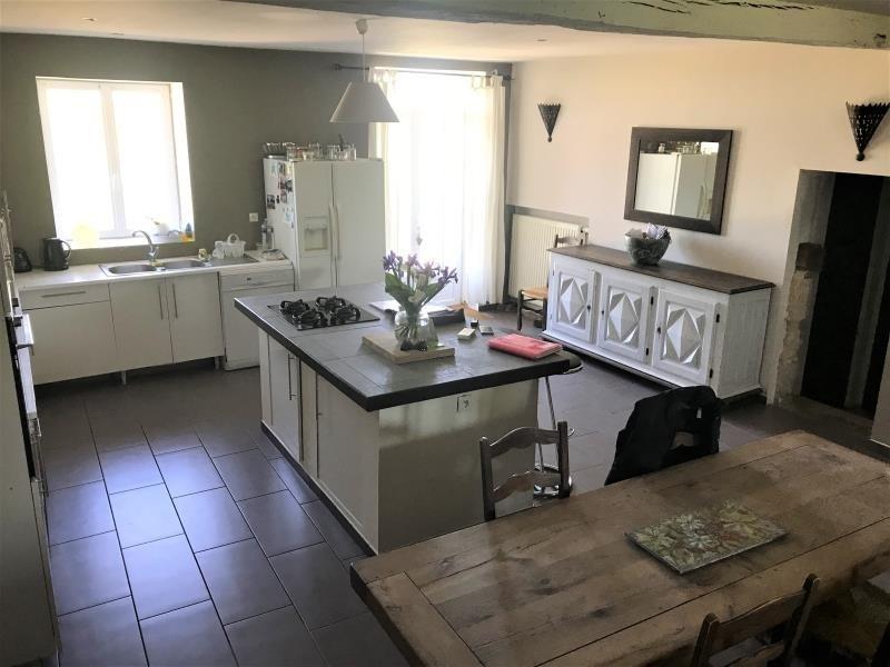 Sale house / villa St medard de guizieres 323000€ - Picture 3