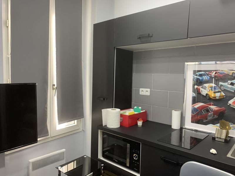 Rental empty room/storage Paris 2ème 1300€ CC - Picture 2