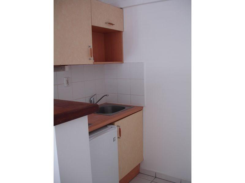 Location appartement Ste clotilde 343€ CC - Photo 5