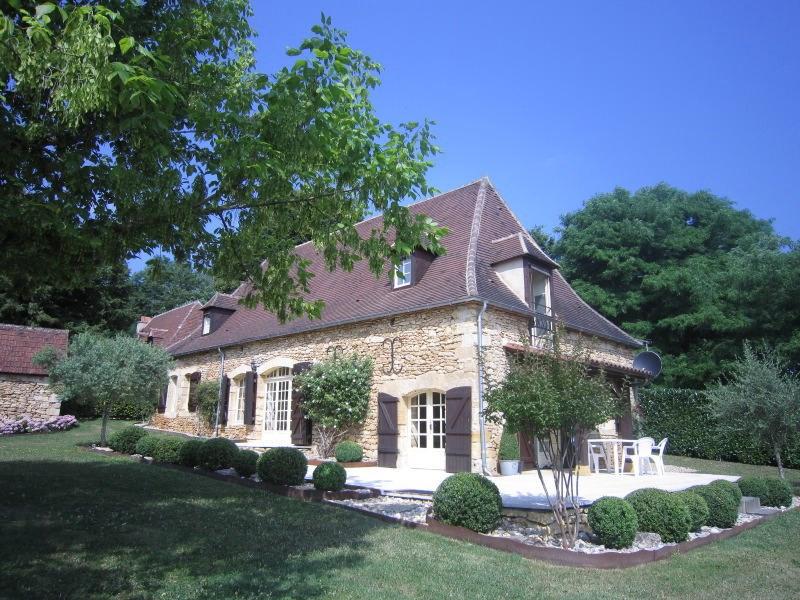 Sale house / villa Saint-cirq 357000€ - Picture 1