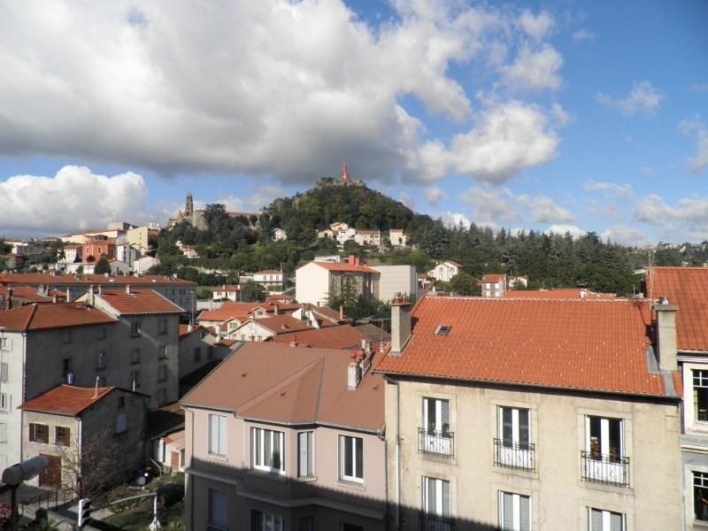 Location appartement Le puy en velay 596,79€ CC - Photo 1