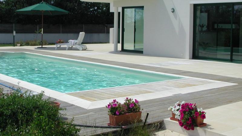 Agréable maison contemporaine avec piscine chauffée