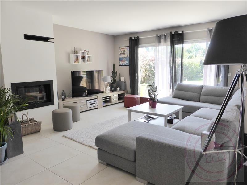 Deluxe sale house / villa Aizenay 584 480€ - Picture 2