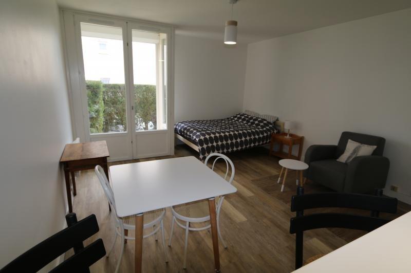 Location appartement Vendome 385€ CC - Photo 1