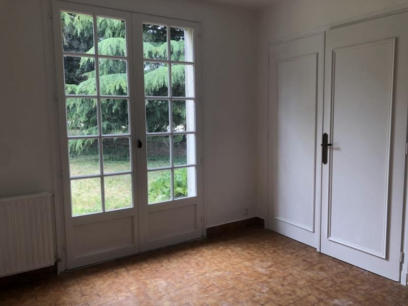 Rental apartment St romain en gal 750€ CC - Picture 2