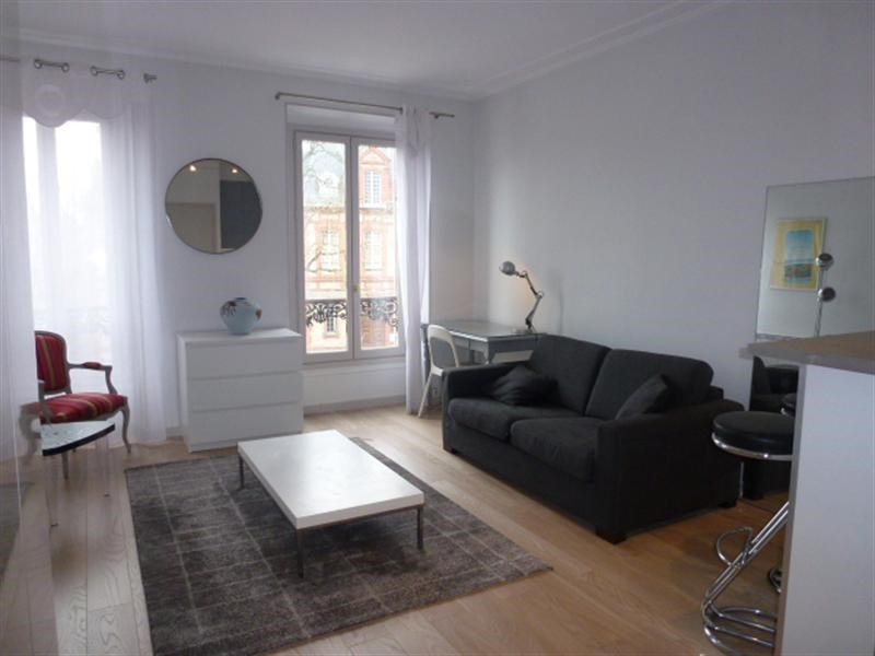 Location appartement Fontainebleau 836€ CC - Photo 1