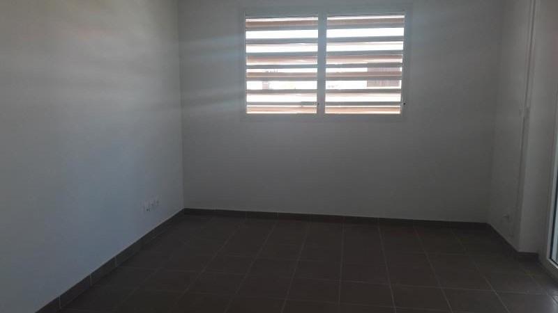 Location appartement Le moule 649€ CC - Photo 4