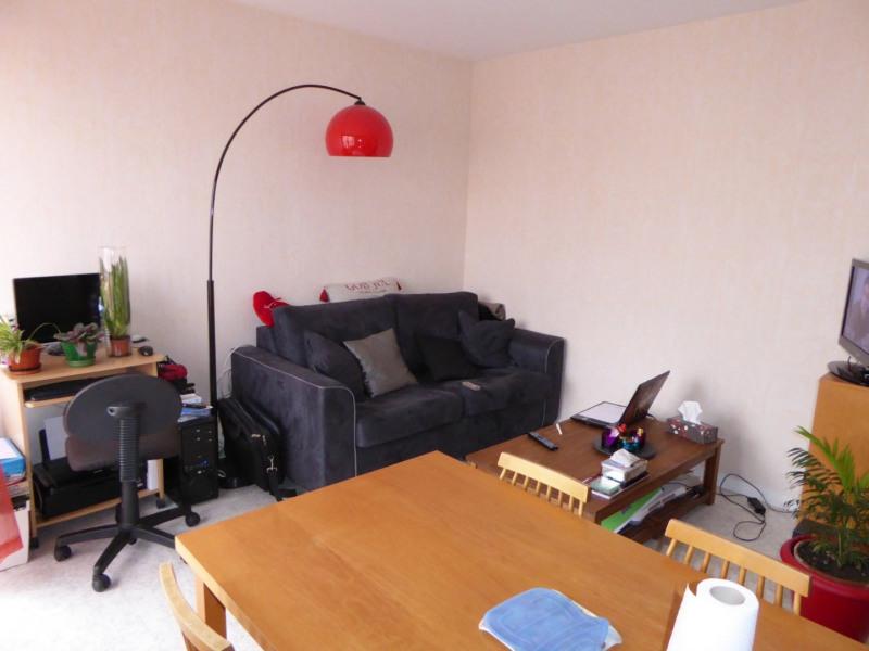 Rental apartment Maurepas 728€ CC - Picture 1
