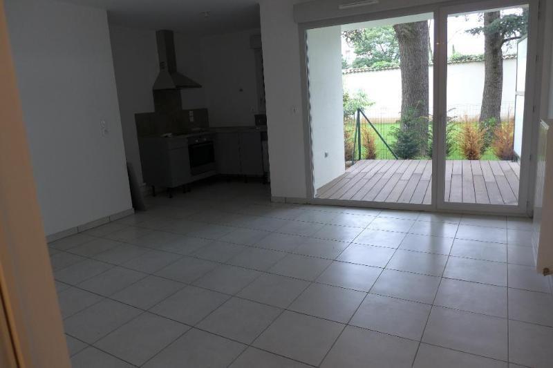 Location appartement Lyon 8ème 706€ CC - Photo 6