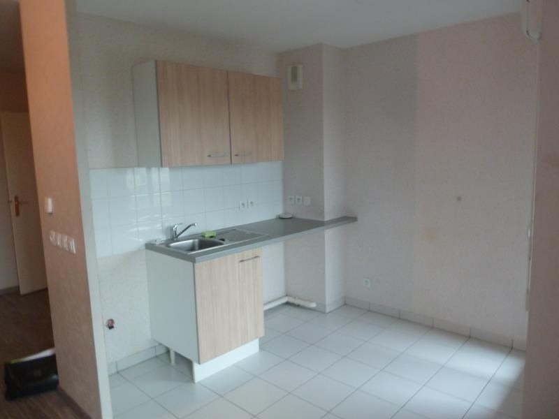 Location appartement Eragny sur oise 863€ CC - Photo 2